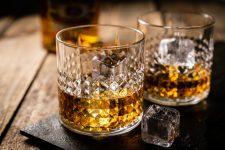 宅飲み派へ!ウイスキーのグラスでお酒がグッとおいしくなる選び方とは