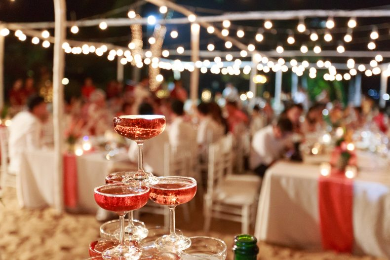 それやっちゃってたの!?結婚式のお酒のマナー違反は赤っ恥!!スマートな呑んべぇになろう♪