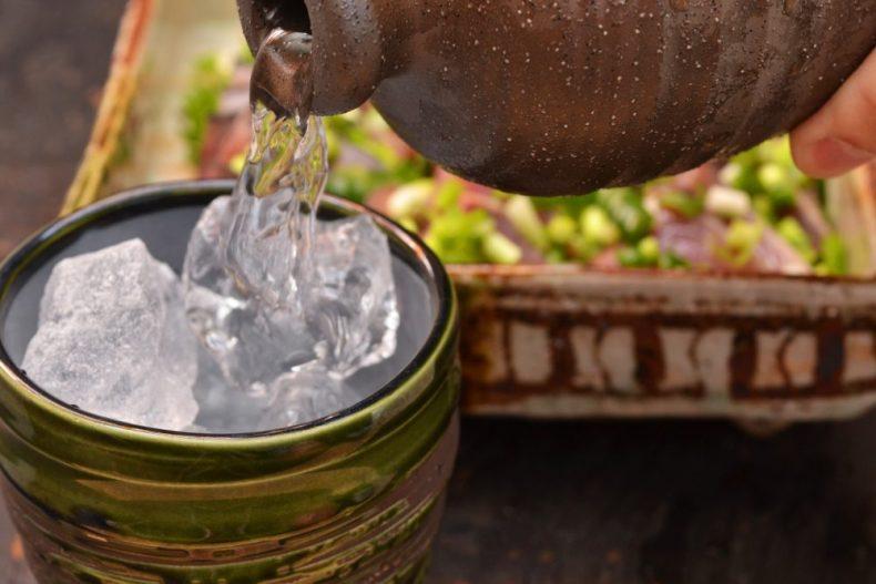 即解決!麦焼酎の水割りならコレ!おすすめ割り方と銘柄6選!