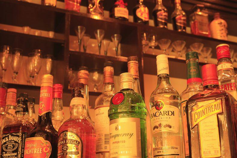 コンビニウイスキーのおすすめはこれ!値段とおつまみを知って最高に楽しい宅のみを!