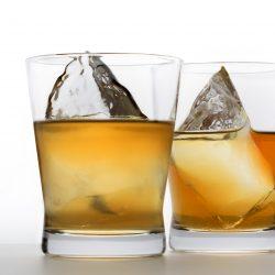 ウィスキーの基本の飲み方とウィスキートゥデイ