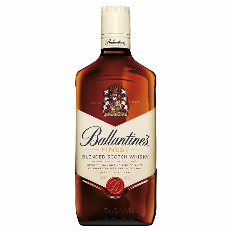 「ストレート」で飲むのにおすすめなブレンデッドウイスキー
