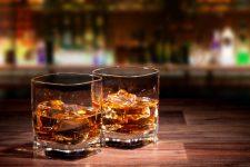 渋い大人が飲むウイスキーのブレンデッドで高級な時を過ごす4つの秘訣