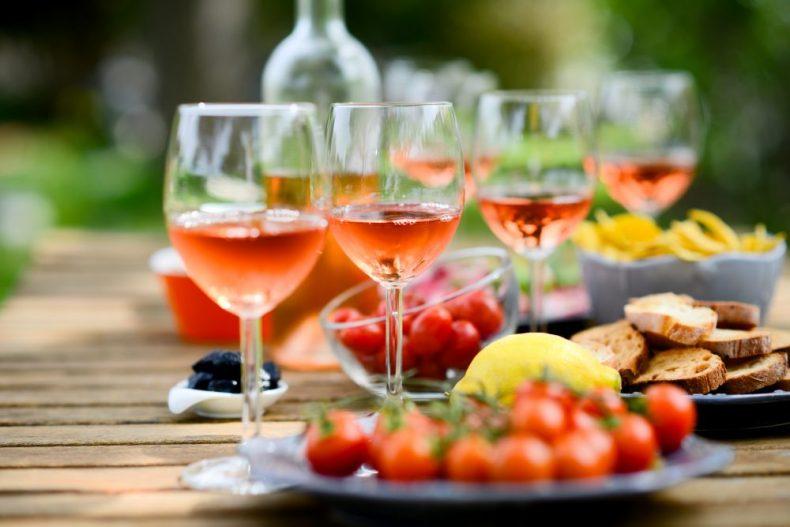 なぜ違う?果実酒とリキュールの違いと宅飲みカクテルレシピ17選!