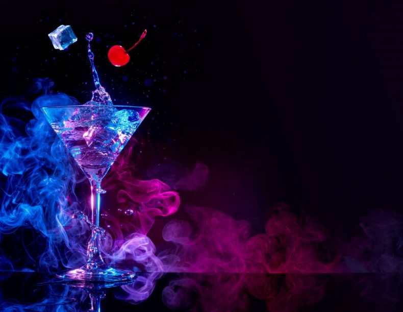 愛のリキュール!?媚薬として謳われたお酒の魅惑のカクテル4選!