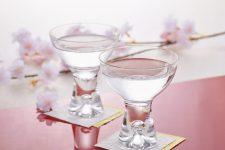知らなきゃ損!日本酒の味はグラスで変わる!種類別メーカー4選!