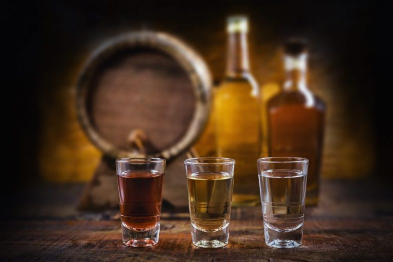 これが基本!スピリッツってどんなお酒の種類?世界の4大蒸留酒とは